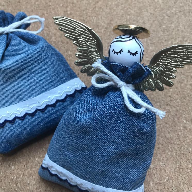 anděl s levandulí